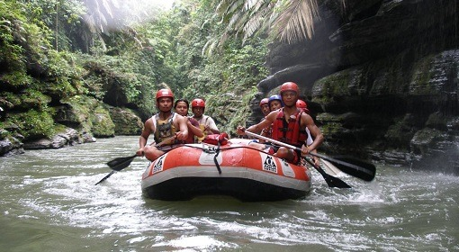Bukit Lawang Rafting - Local Guides